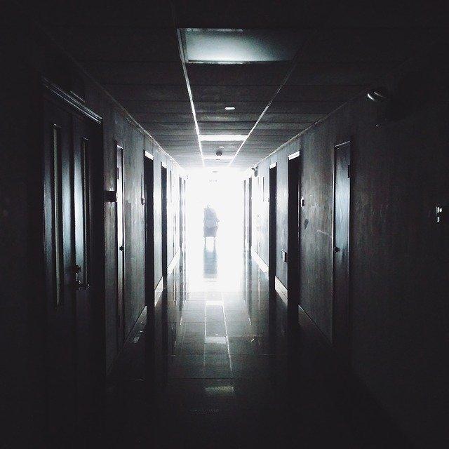 Fostul șef CNAS: Pacientului român nu i se dă acces la schema de tratament C-o-v-i-d19
