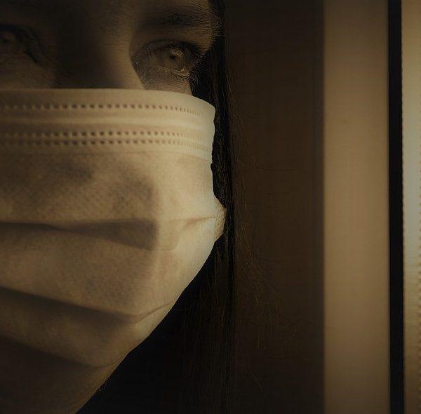 STUDIU: Rata fatalității infecției (IFR) cu coronavirus este semnificativ mai scăzută decât au arătat anterior studiile. Cine plãteste pentru vietile distruse?