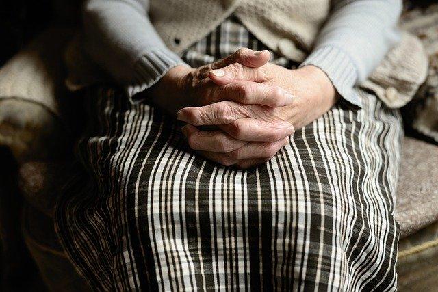 Guvernul a propus Comisiei Europene, deși s-au jurat că nu, măsura creșteri vârstei de pensionare la 70 de ani
