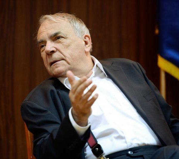 Nicolae Manolescu îi citează lui Iohannis din Marx ca să înțeleagă care e problema cu 'România Educată'