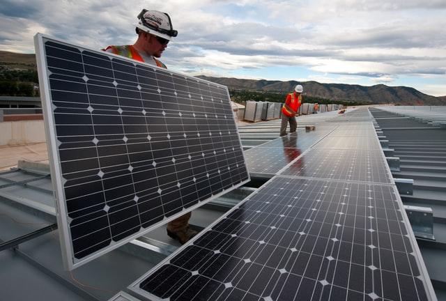 Inflația și creșterea prețului energiei: Efecte ale planului radical Green New Deal!